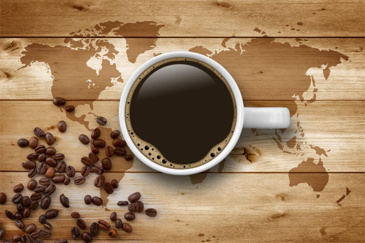 Jak pije się kawę na świecie? Niektóre zwyczaje mogą zaskakiwać!