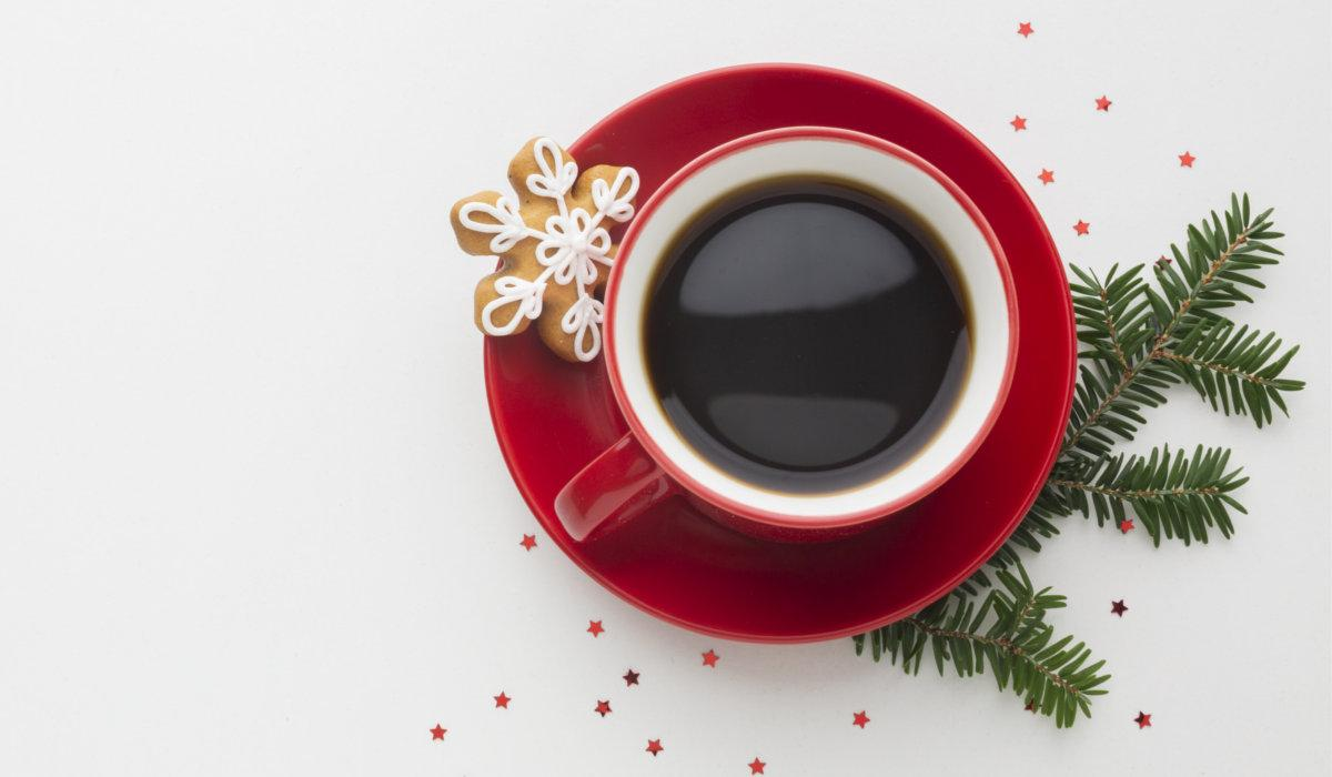 Świąteczna kawa – przepisy i inspiracje na kawę w zimowym wydaniu