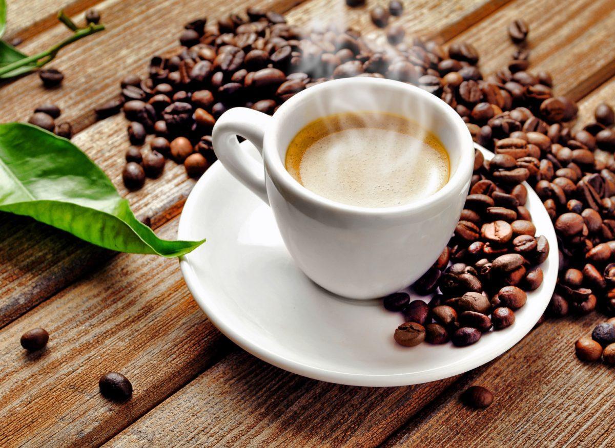 Jak prawidłowo podawać kawę?