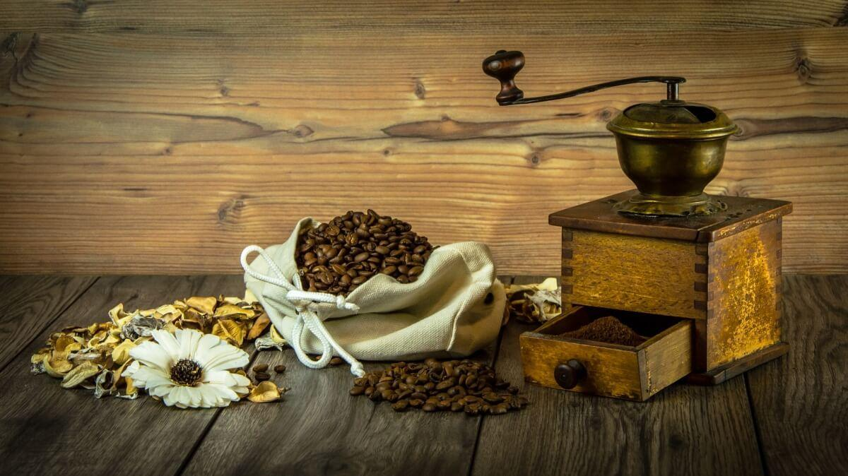 Młynek do kawy – na co zwrócić uwagę przy zakupie młynka?