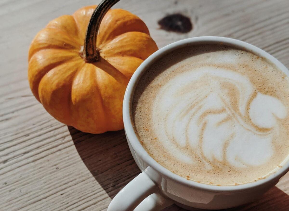 Kawa dyniowa – sprawdzone przepisy na Pumpkin Spice Latte